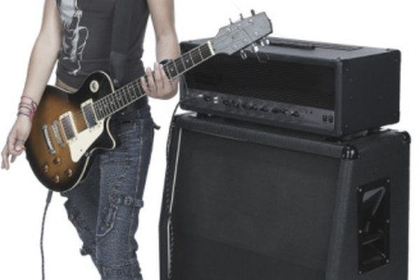 Usa un cable de guitarra con la función de