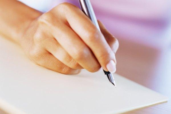 Ya sea a mano o en computadora, escribe como te sientas más cómodo.