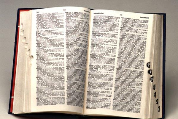 El diccionario es la mejor referencia para buscar el plural de una palabra en singular.