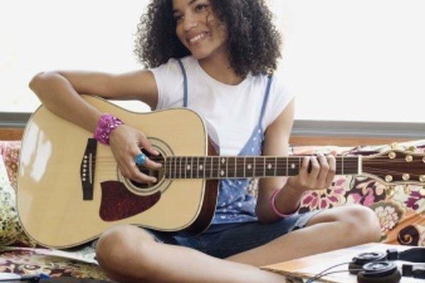 Las guitarras acústicas no necesitan amplificadores.