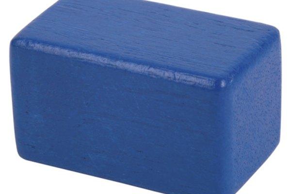 Los bloques de madera son fáciles de medir para calcular el volumen.