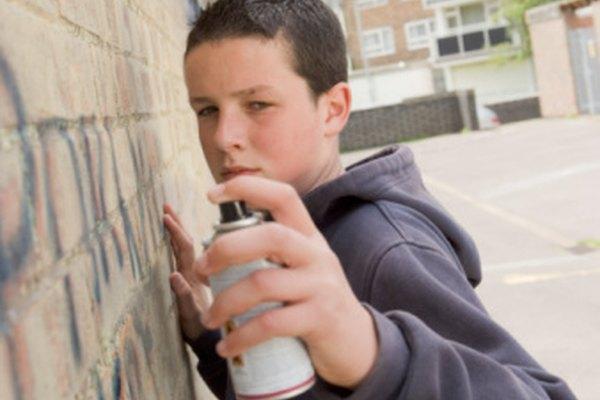 Las latas de aerosol a menudo se tapan o dejan de funcionar, pero por lo general pueden ser arregladas o salvadas.