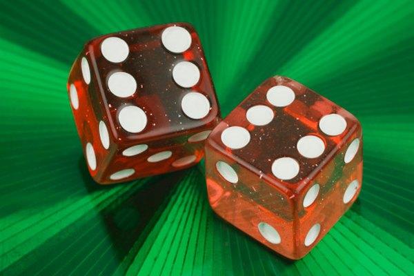 Los dados son un ejemplo de un cubo (seis caras de forma tridimensional con todos los lados de la misma longitud).