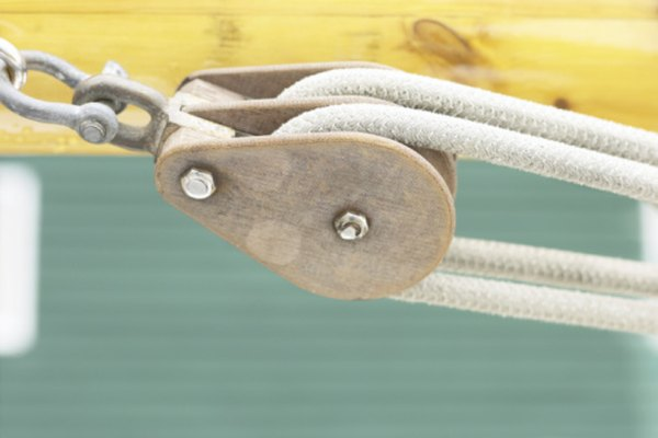 Cuantas más cuerdas y ejes use una polea, menos trabajo tendrás que hacer para levantar un objeto.