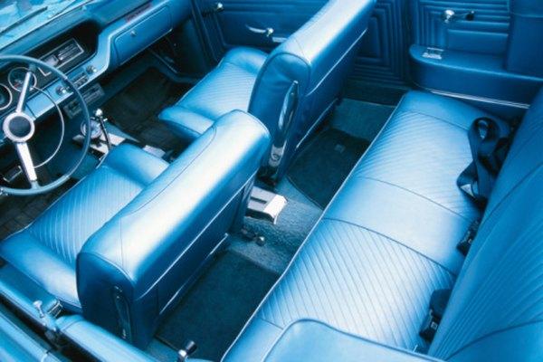 Los asientos de cuero se pueden agrietar o deshilachar si no están bien acondicionados.