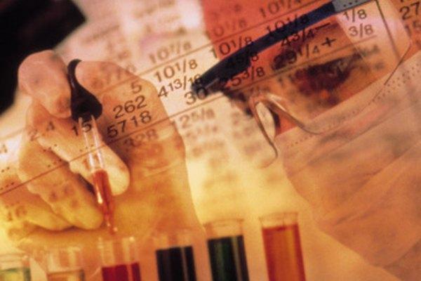 Encuentra qué productos químicos están presentes en disolventes utilizando cromatografía en papel.