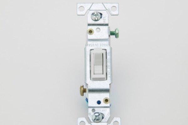 Un nuevo interruptor de luz puede ser una solución de bajo costo.