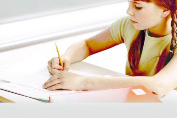 Un estudiante practicando paráfrasis.