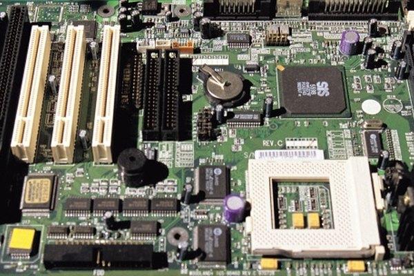 Los condensadores existen en varias formas, incluida la forma de placas paralelas.
