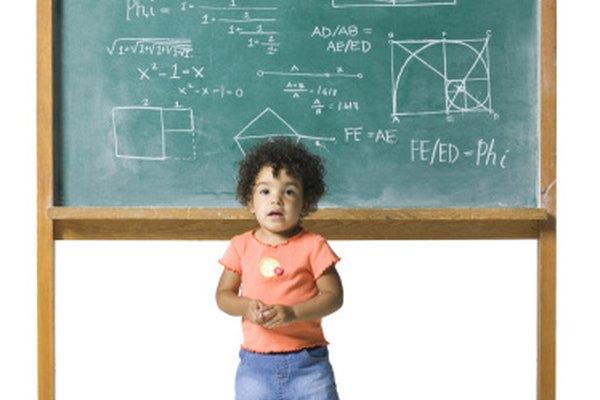 No hay necesidad de correr a la pizarra. Toma un enfoque práctico cuando se trata de niños y matemática.