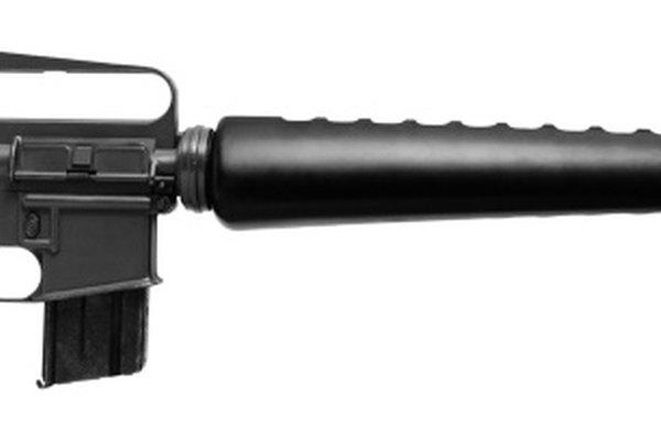 El fusil de asalto M16 es la versión militar de la AR-15.