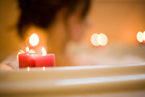 Algunas velas perfumadas tienen propiedades de aromaterapia.