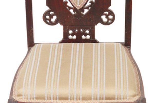 El mobiliario de caoba antigua de alta calidad, es hecho de caoba de Honduras o Cuba.