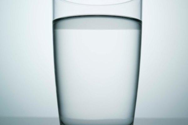 Usa agua para disolver el bicarbonato de sodio.