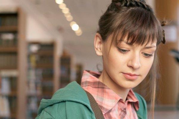 La educación nos ayuda a discernir lo verdadero de lo falso, los hechos de la ficción.