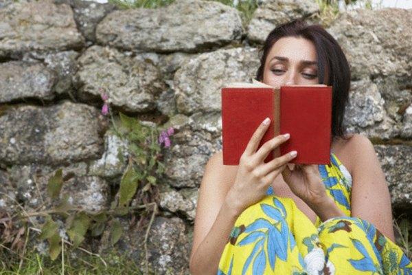 Algunos libros tejen sus cuentos de manera no lineal.