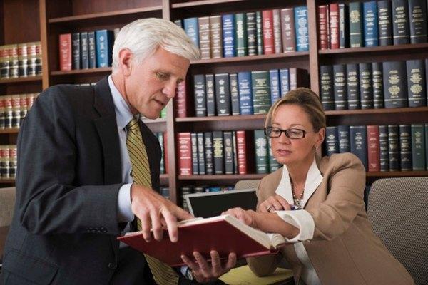 Una carta de recomendación fuerte puede ayudar a un abogado a obtener un empleo.