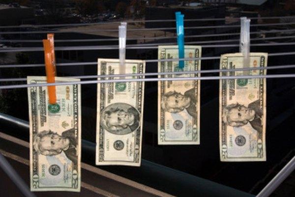Esta imagen ilustra el lavado de dinero, que es lenguaje figurado.
