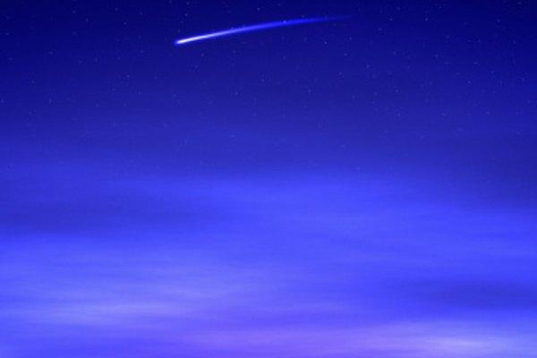 La brevedad de una estrella fugaz, la naturaleza magnífica se puede describir en la poesía.