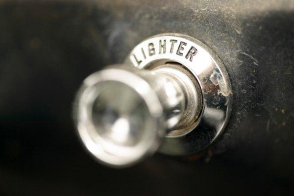 Puedes cambiar el encendedor de tu auto para ahorrarte una ida al mecánico.