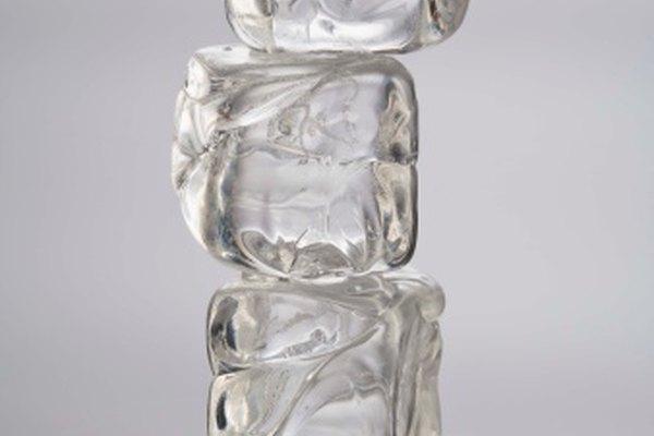 El hielo se derrite a una velocidad relativa a la temperatura ambiente.