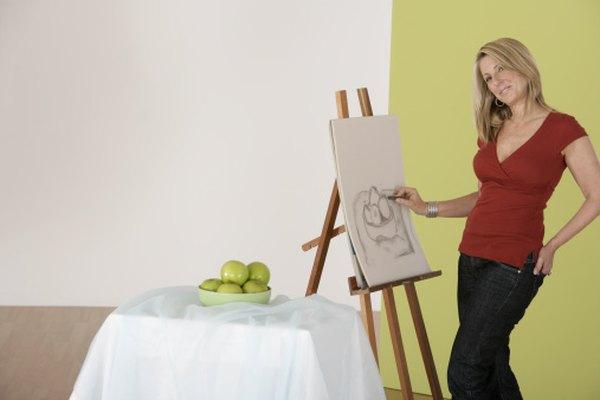 Pintar un bodegón de frutas con pintura acrílica tiene algunas ventajas sobre las pinturas al aceite, incluso un tiempo más rápido de secado.