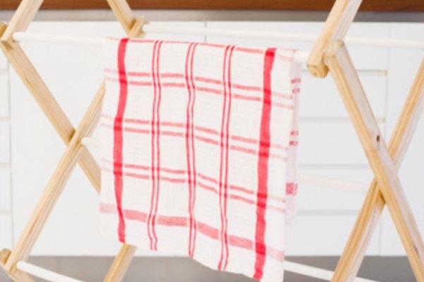 Los bastidores de secado secan la tela con el aire.
