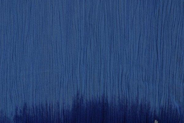 El crepé es un tejido rizado utilizado para hacer prendas de lujo.