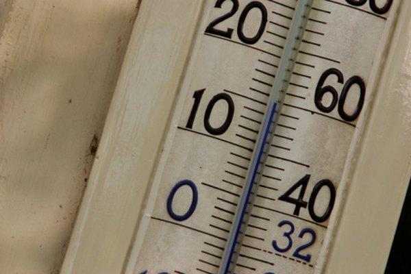 Para convertir de grados Celsius a Kelvin debes sumar 273,15 grados.