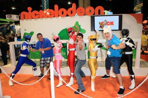 Los trajes de colores de los Power Rangers son ideales para una idea del traje de grupo.