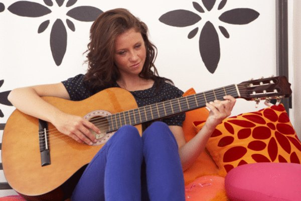 La mayoría de guitarristas usan guitarras de seis cuerdas.