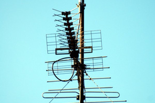 Multiple antennas only work if they are hooked up correctly.