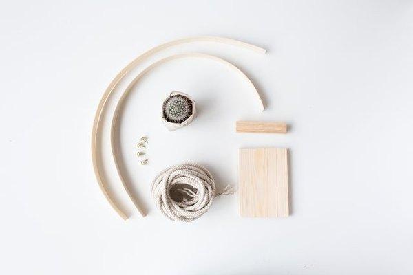 Materiales necesarios para hacer un macetero colgante.