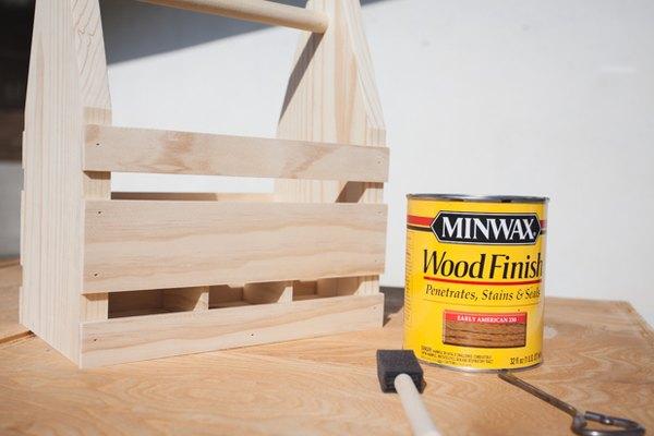 Escoge el acabado para la madera.