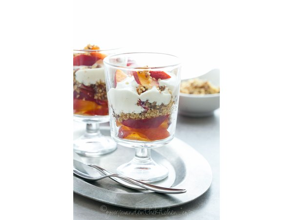 Nectarine parfaits are the perfect healthy dessert (or breakfast!)