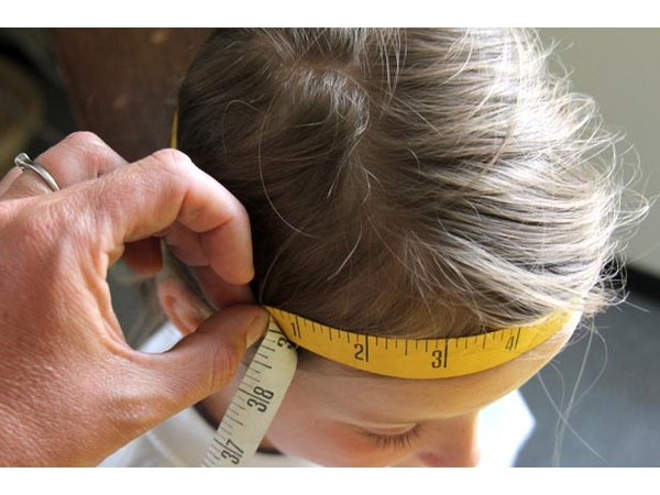 measure kid's head
