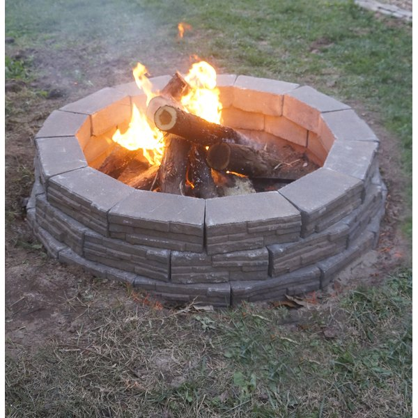 how to build an easy backyard fire pit ehow. Black Bedroom Furniture Sets. Home Design Ideas