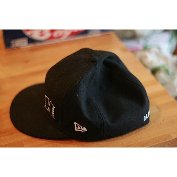 6b300763f23 How to stretch a New Era fitted hat