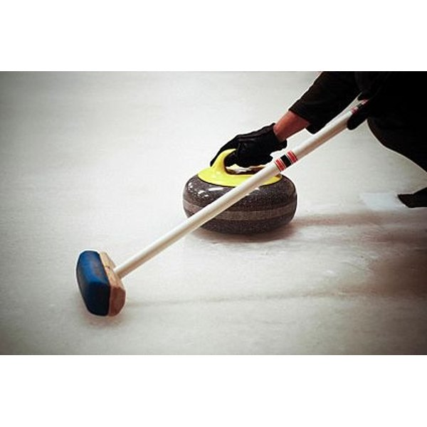 Play Curling