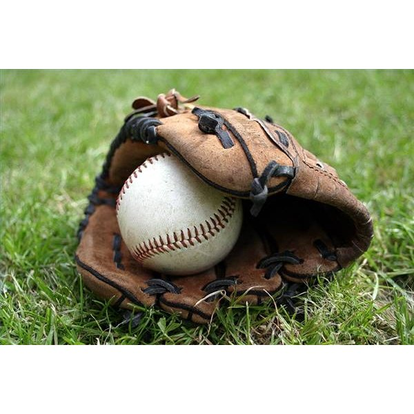 How Does an Infielder's Glove Differ From an Outfielder's Glove?