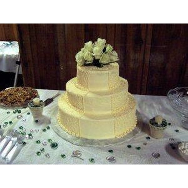 Make a 3-Tier Wedding Cake