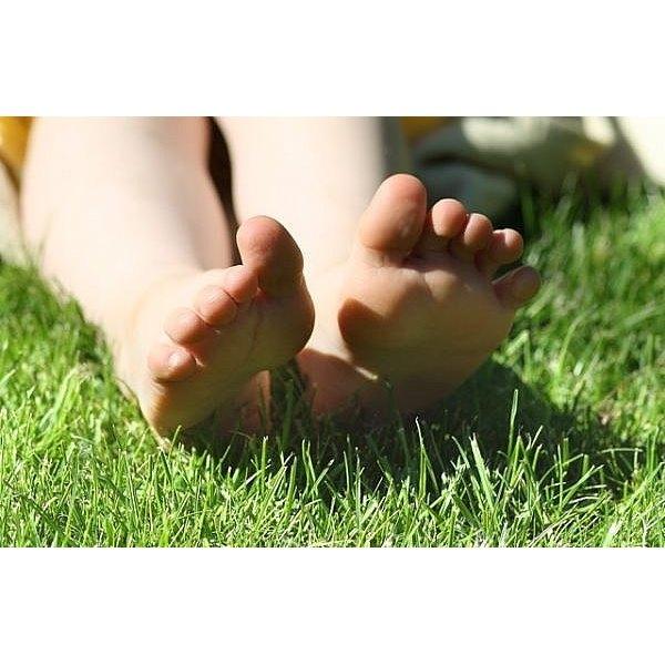 How to treat a toenail injury