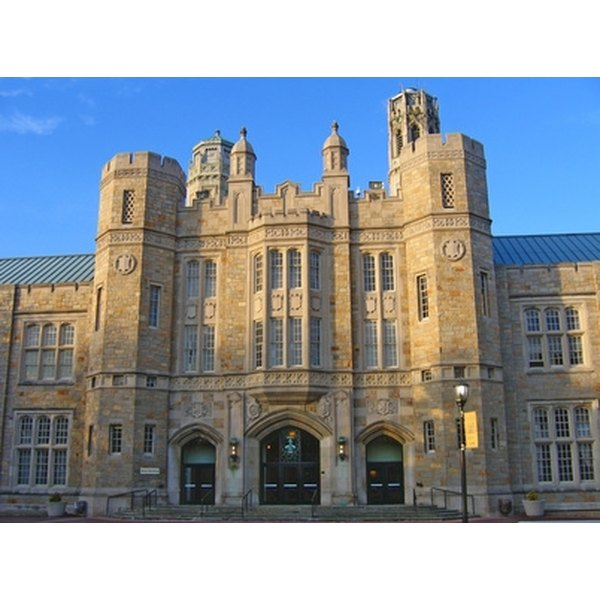 what is a major and a minor in college Manhattan college offers more than 40 majors in a wide variety of disciplines  most of our majors can also be taken as minors, and we have additional  programs.