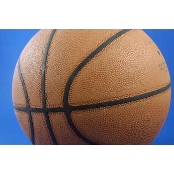 Start a team in the American Basketball Association and watch players keep alive their dreams of playing in the NBA.