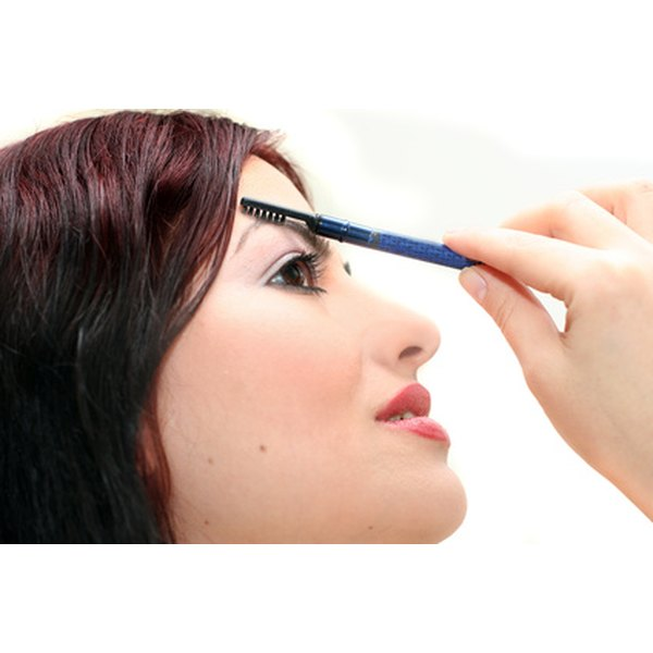 Eyebrow embroidery can be removed, but it is painful.