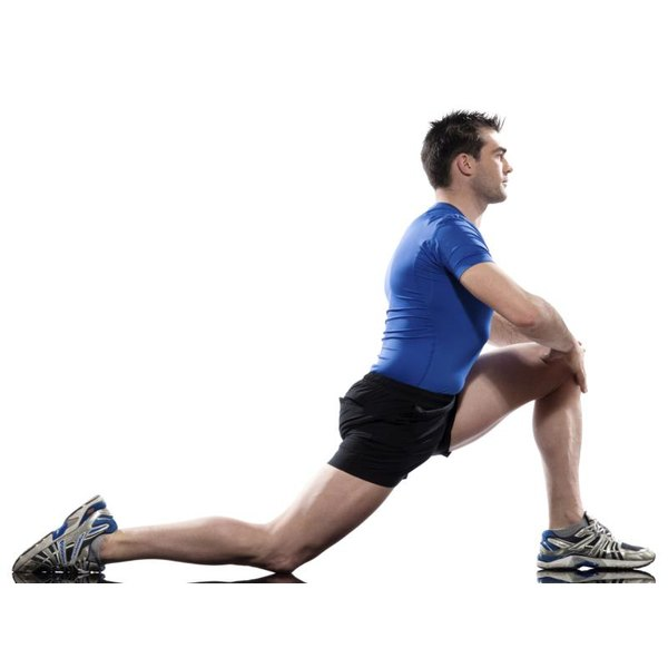 A simple lunge stretches the psoas.