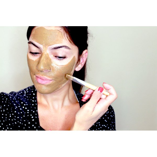 how to make a clay mask for your face