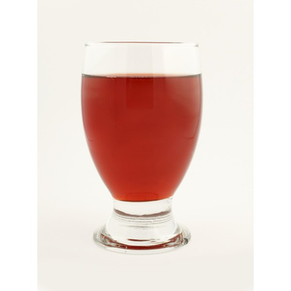 Cranberry juice is thought to benefit the kidneys in a number of ways.