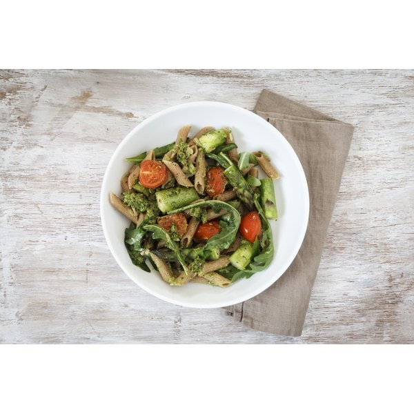 Whole meal spelt rigatoni with veggies