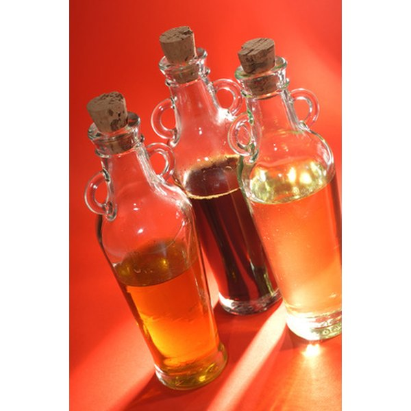 Create your own facial oils to cleanse and moisturize the skin.